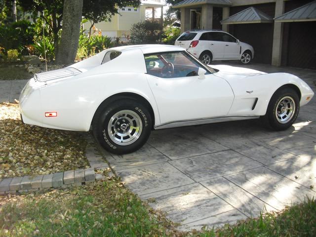 1977 White Corvette